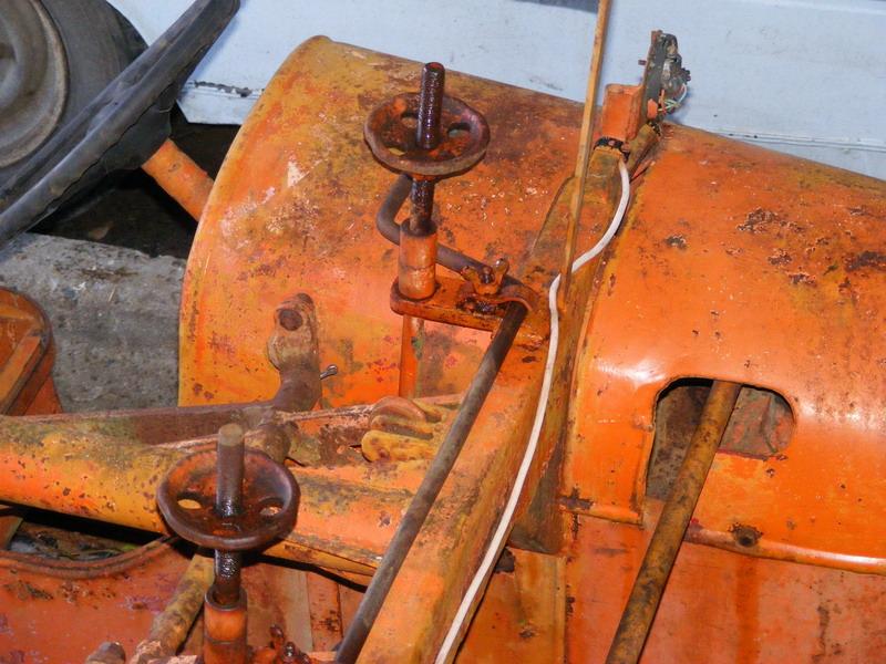 les TRACTEURS AGRICOLES à moteur 203 - Page 2 Loiseau05